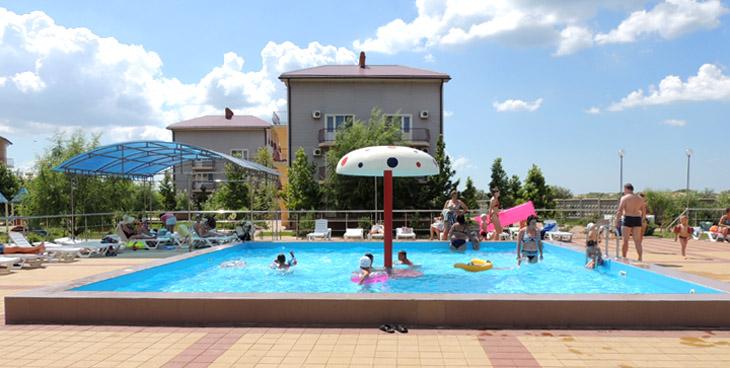 Детский бассейн в пансионате НИКО