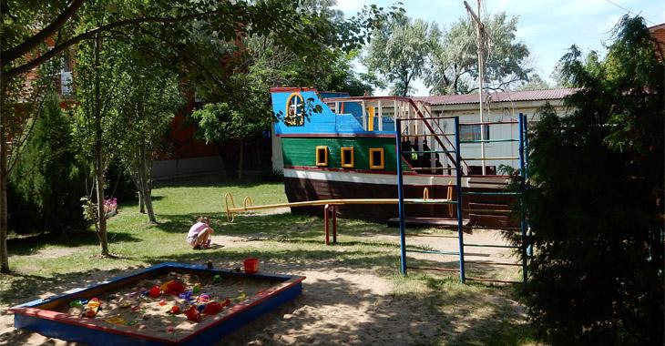 Детский кораблик в НИКО